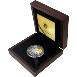 LIONESS WILDLIFE IN THE MOONLIGHT 2 OZ SILVER COIN 5 DOLLARS NIUE 2021